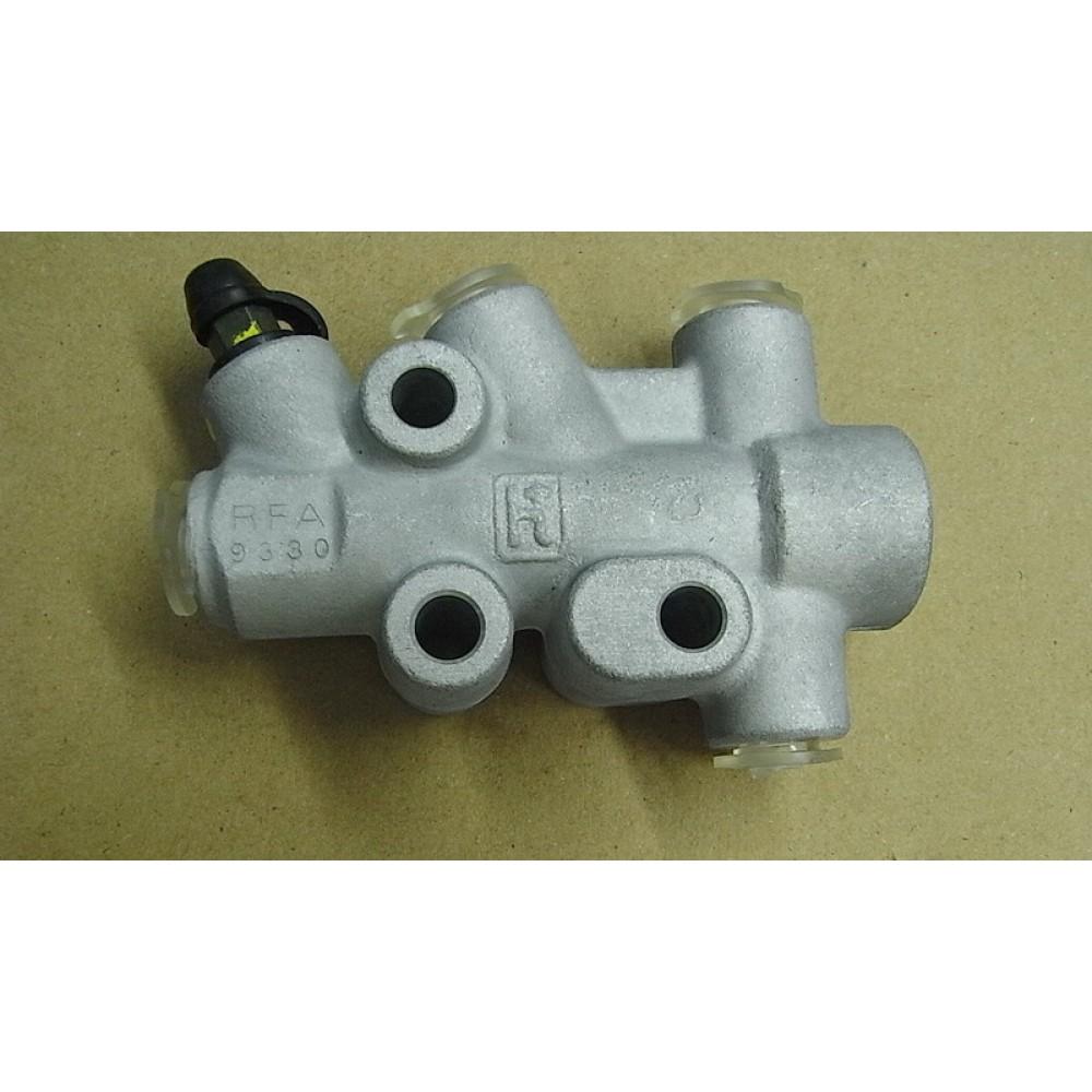 Распределитель тормозных усилий ATV600, ATV600LE 46200-RFA-000